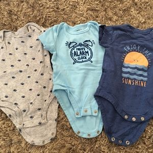 Baby onesies size 3 months